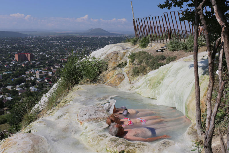 Пятигорск, свободные горячие минеральные источники, их здесь называют «Бестыжие ванны»