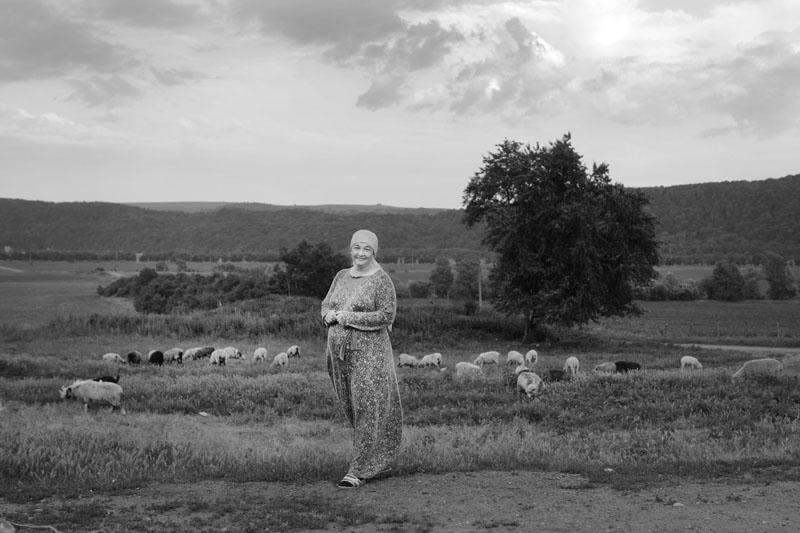 Гамаонова Мадина Семеновна, осетинка, село Новый Урой, Кабардино-Балкария, хозяйка страусиной фермы, ожидает 6-го ребенка. «Бог даровал нам очень хорошее место для жизни»