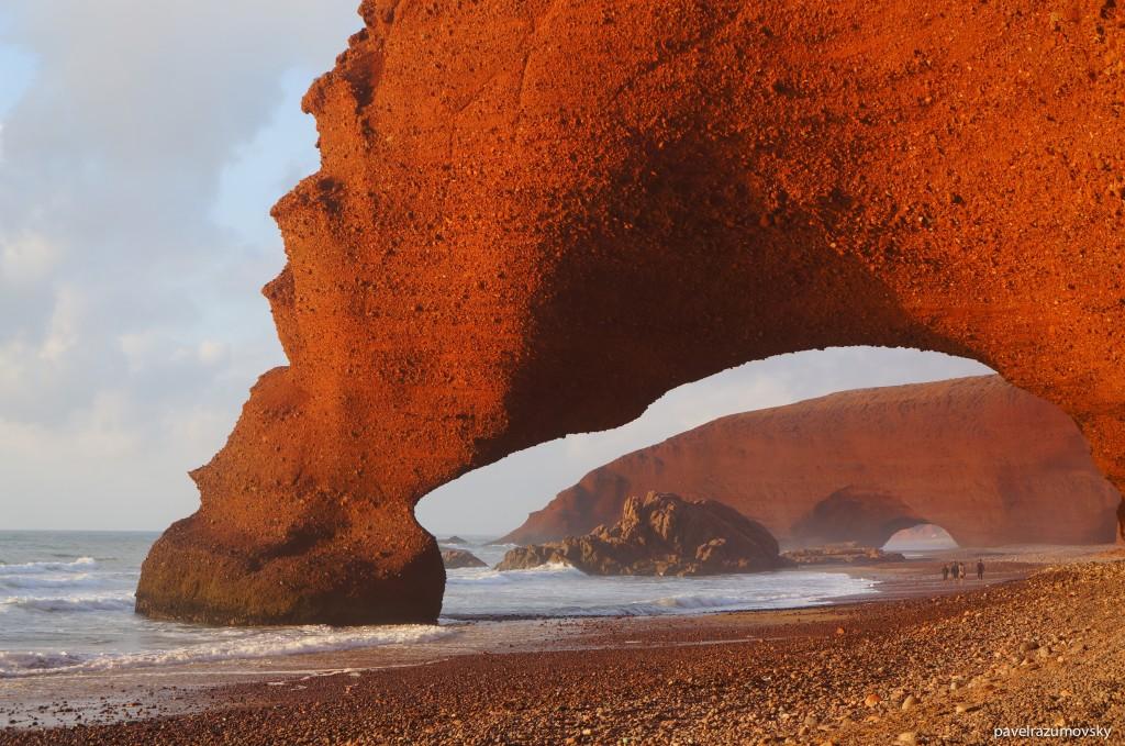 Марокко, побережье Атлантического океана, пляж Легзира на закате