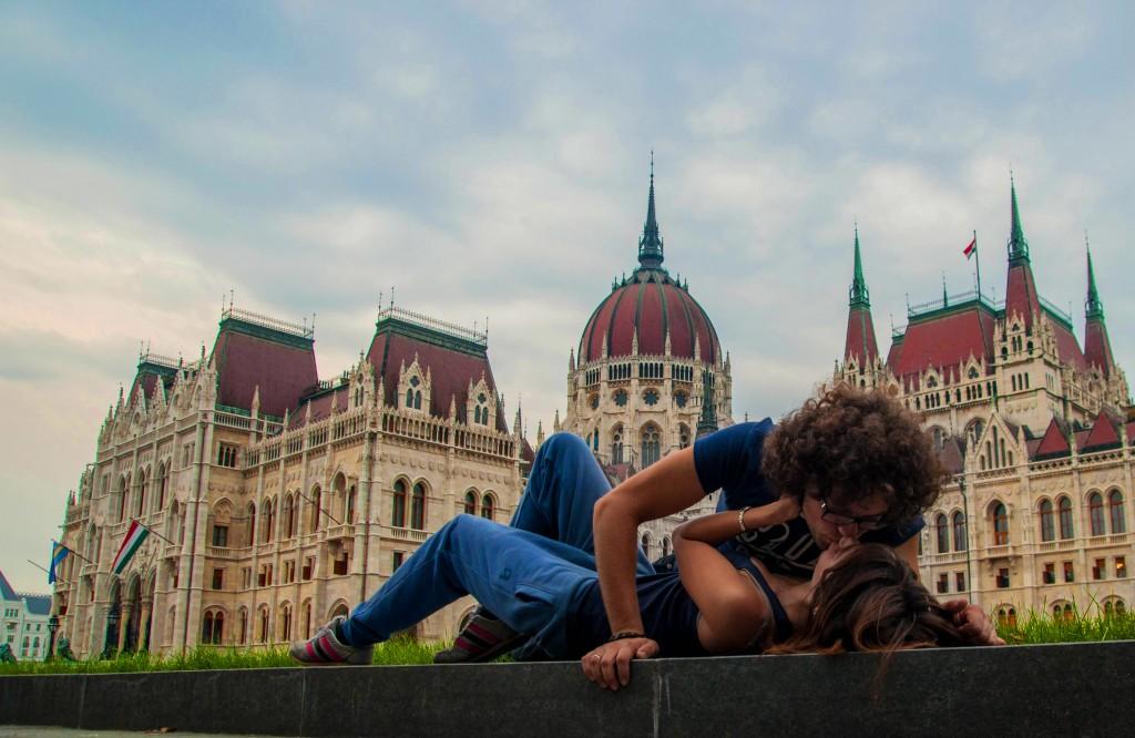 Серия #makelovenotwar против войны, Будапешт, Венгрия