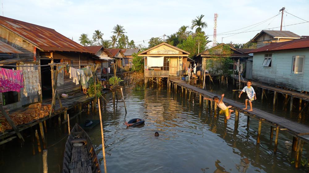 children-in-indonesia