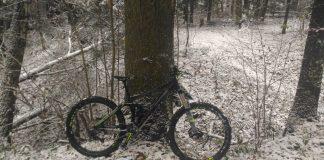 на велосипеде по снегу