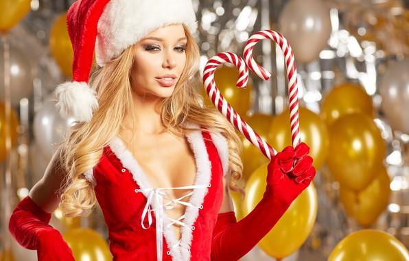 Фото блондинки в секси костюмах